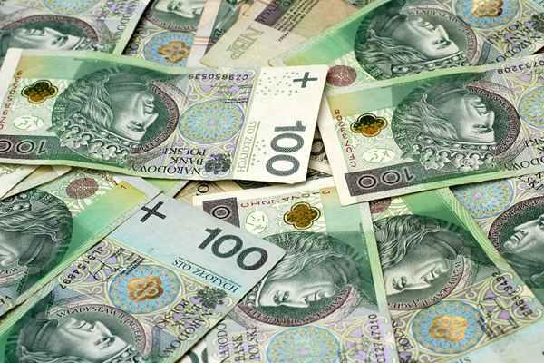 Szybka pożyczka przez internet: kiedy się opłaca?